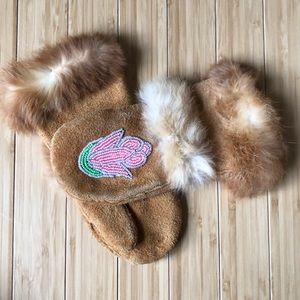 Girls Brown Suede Flower Beaded Fur Lined Mittens